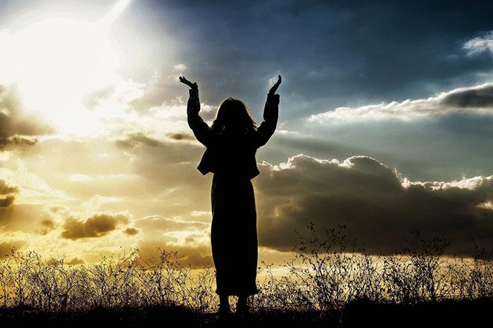 Wrócili, wielbiąc iwysławiając Boga zawszystko, co słyszeli iwidzieli