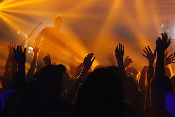 Stańmy przedobliczem Jego zuwielbieniem, zweselem śpiewajmy Mu pieśni